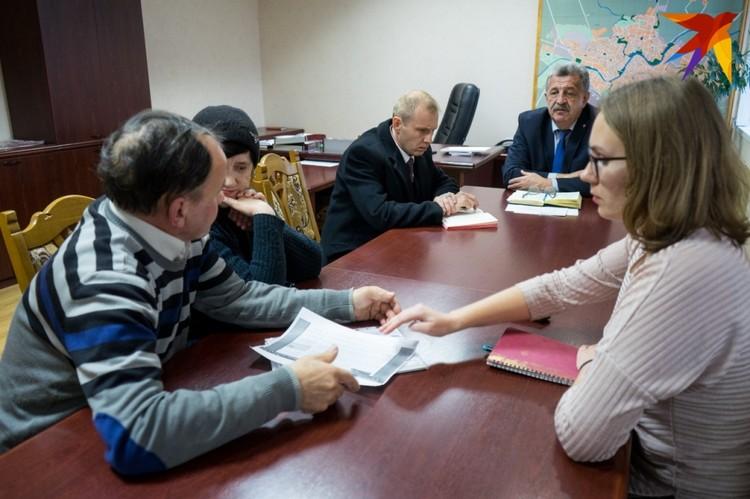 На приеме Евгений Гришин пообещал решить проблему до 13 ноября включительно