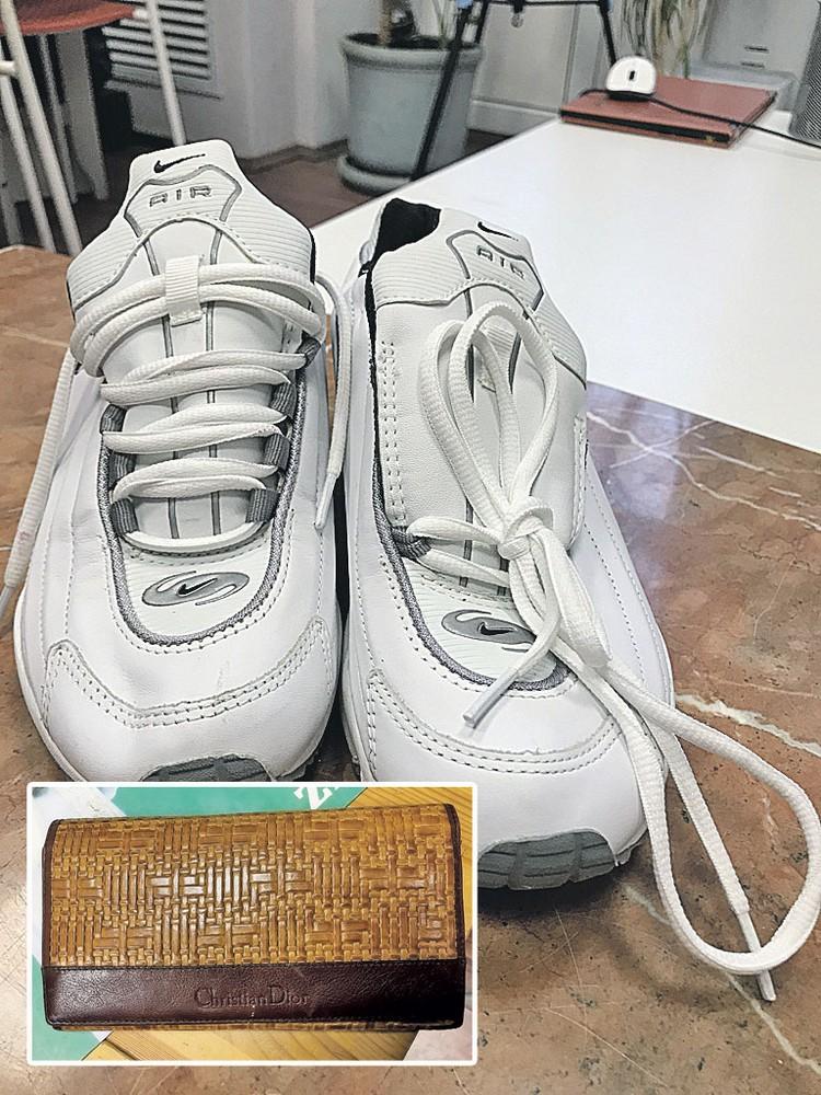 Кроссовки и кошелек Зыкиной. К слову, обувь планируют выставить за несколько тысяч рублей - по цене новой. Фото: Алена МАРТЫНОВА, Евгения КОРОБКОВА