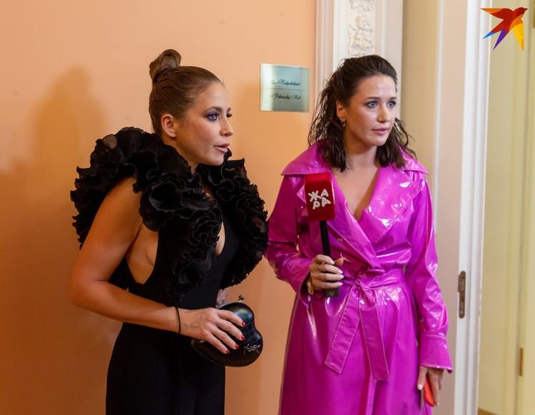 Платье Юлии Барановской особенно эффектно выглядело сбоку