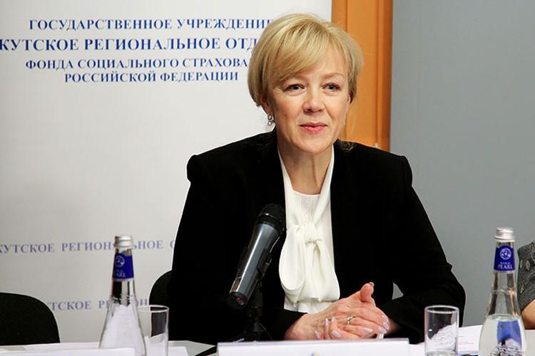 «Круглый стол» в «Комсомольской правде» вела Яна Соболь, управляющий Иркутского регионального отделения Фонда социального страхования РФ