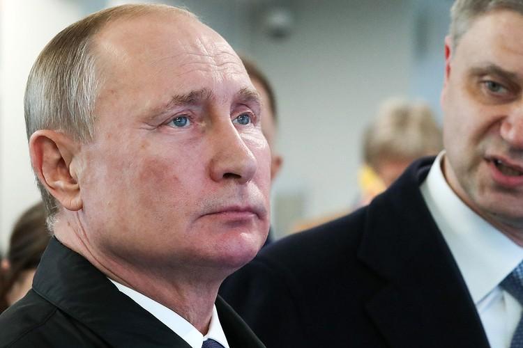 Президент России Владимир Путин на церемонии запуска движения по первым двум маршрутам Московских центральных диаметров. Фото Сергей Карпухин/ТАСС