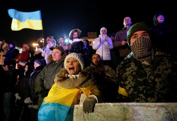 Митинг в центре Киева в шестую годовщину начала Евромайдана.
