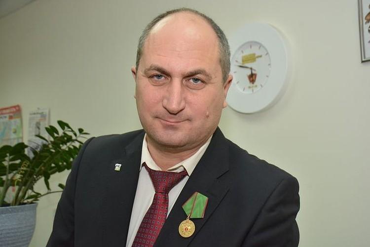 Пока шел судебный процесс Дмитрию Курицкому вручили медаль.