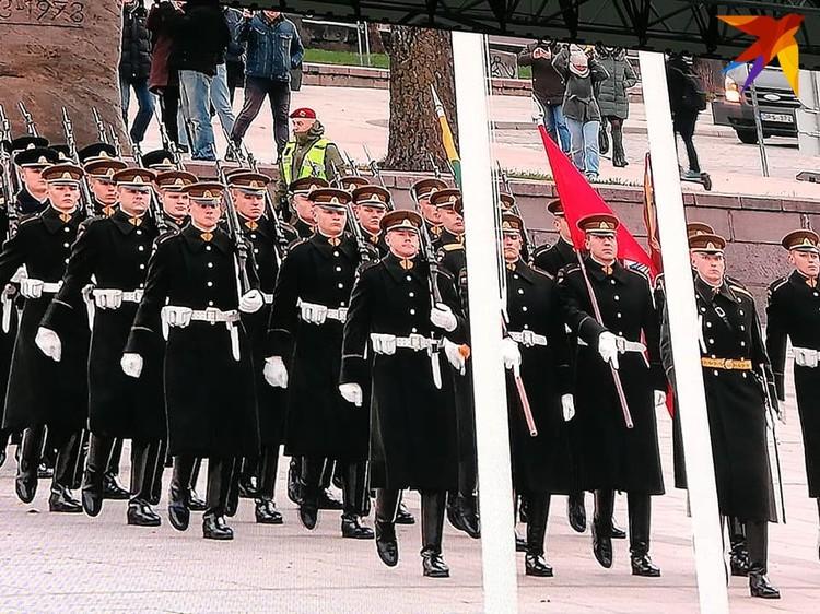 В Вильнюсе началась церемония перезахоронения Кастуся Калиновского и его повстанцев.