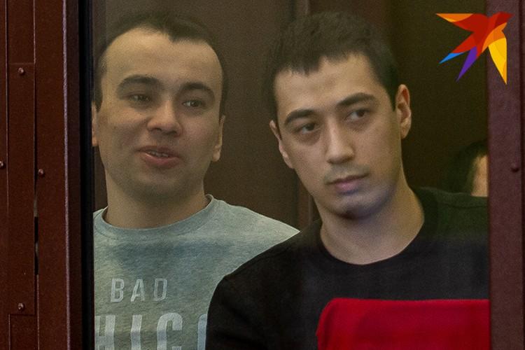 Ибрагимжон Эрматов (слева).