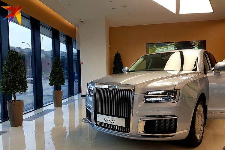 Производится машина в Москве и теперь стала доступна для просмотра в официальном салоне, который без пафоса открылся в августе