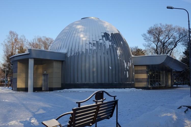 Любуемся звездами и слушаем истории в новокузнецком планетарии.