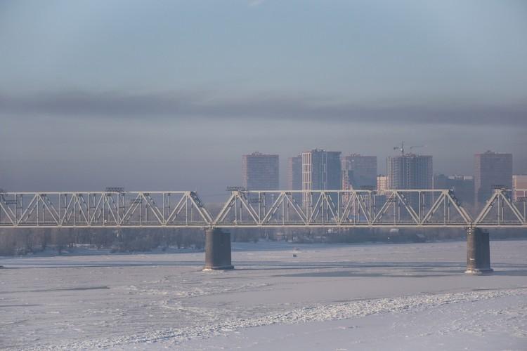 Новосибирск ждет ветра, чтобы смог развеяло.