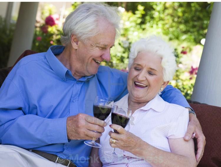 У выпивающих вместе больше шансов сохранить крепкий длительный брак. Главное не переусердствовать.