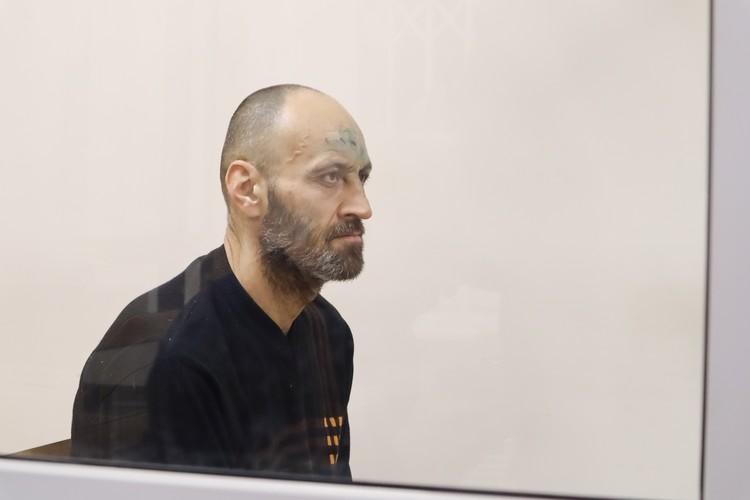 Дмитрий попросил закрыть его сразу на четыре месяца, а не на два.