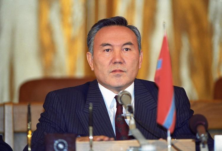21 декабря 1991 года, Нурсултан Назарбаев во время подписания протокола к Соглашению об образовании СНГ. Фото Александр Сенцов, Дмитрий Соколов /ИТАР-ТАСС