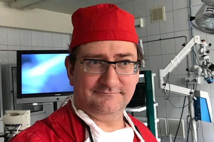 Профессор, врач высшей категории Дмитрий Тарусин.