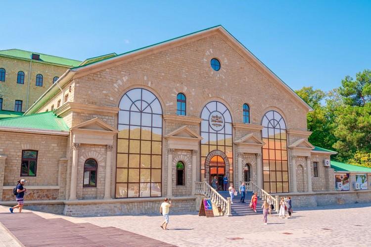 """Винодельня """"Абрау-Дюрсо"""" была основана князем Львом Голицыным в 1870 году. Фото предоставлено пресс-службой Краснодарского края."""