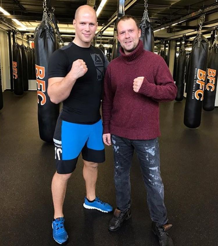 Кирилл Плетнев (справа), готовясь к роли Aлeкceя Бoбpикoва, стал больше уделять времени физической форме. Фото: kirycha79/Instagram.