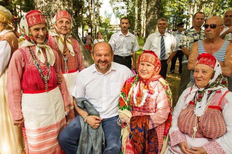 Игорь Орлов во время рабочей поездки Виноградовский район. Фото: ПАВЕЛ КОНОНОВ.