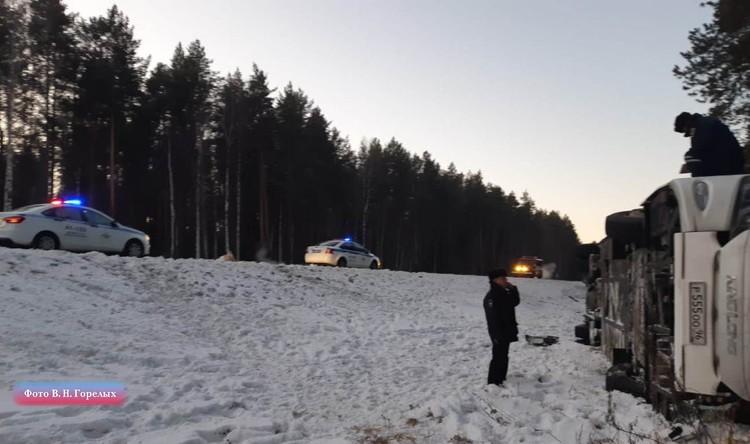 Автомобильного затора на дороге не образовалось. Фото: Валерий Горелых, пресс-секретарь ГУ МВД по Свердловской области