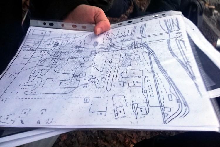 Сопоставив место расположения бани и старые планы города, можно точно сказать, где находились дома основателей БНР