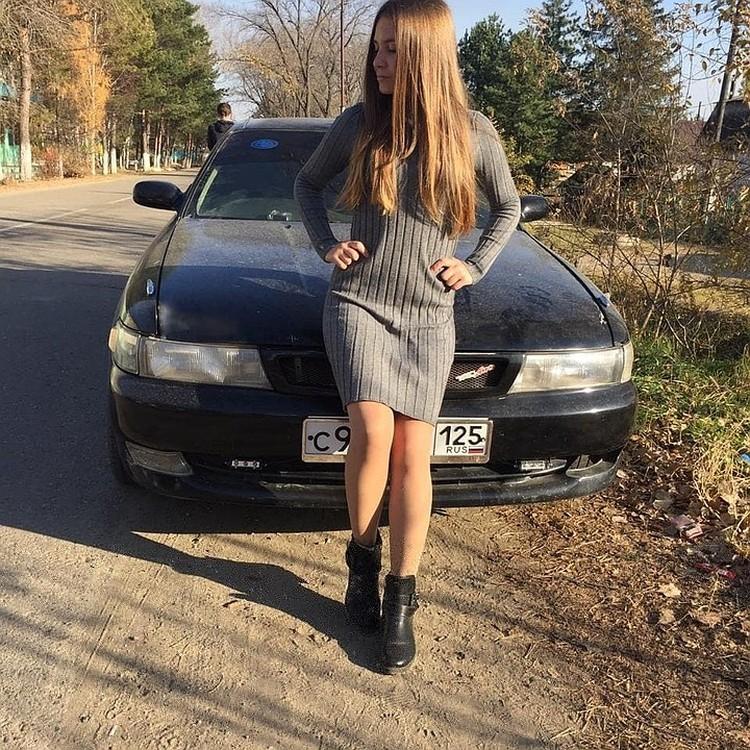 Местные говорят, что Даша была первой красавицей Кировского. Фото: личная страница погибшей Дарьи.