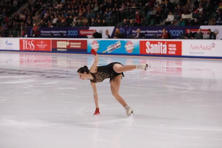 Елизавета Туктамышева упала во время проката