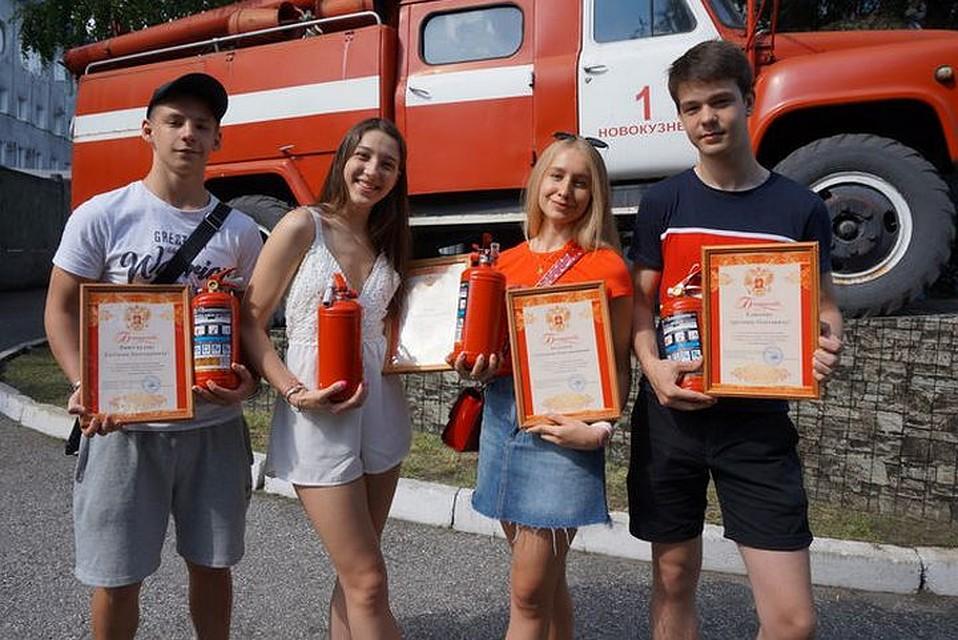 Подростки из Новокузнецка не дали сгореть кузбасскому поселку. ФОТО: Михаил Петрик.
