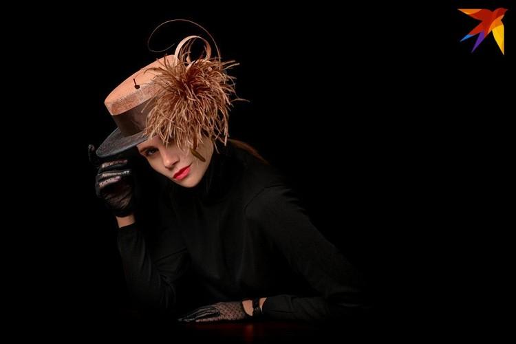 Шляпка может украсить почти любую женщину. Фото: личный архив.