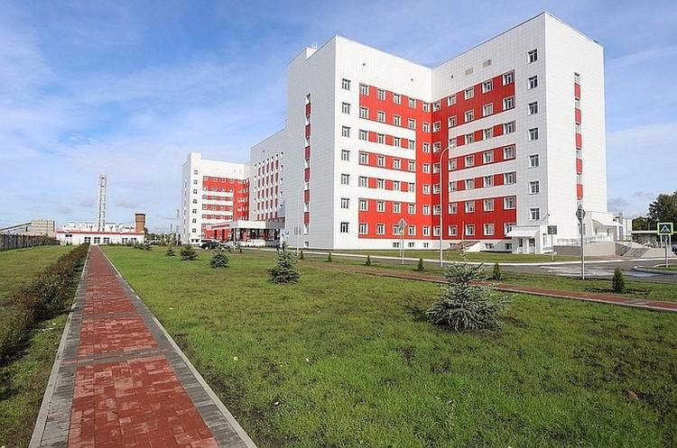 Новую БСПМ власти называют самой современной и крупной больницей области. Первых пациентов здесь планируют принять в марте 2020 года. Фото: Пресс-служба правительства Рязанской области.