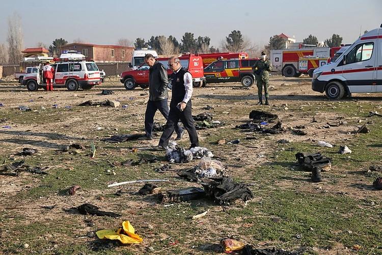 «Боинг-737» Международных авиалиний Украины упал на вылете из Тегерана