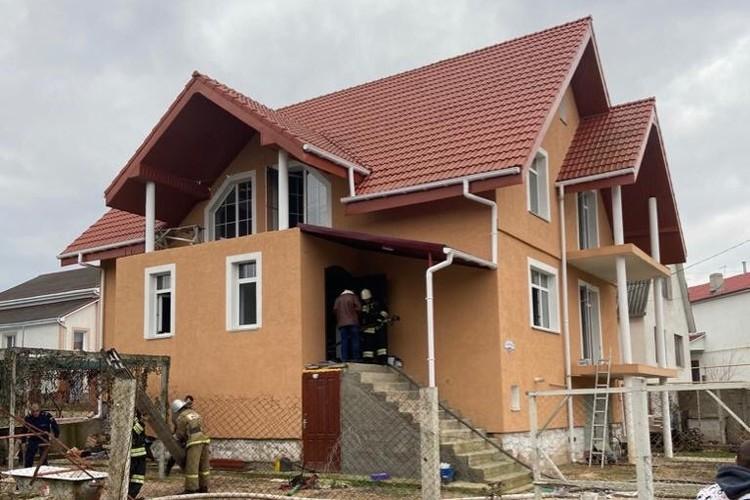 Пожар произошел в частном доме. Фото: пресс-служба ГУ МЧС России по городу Севастополю