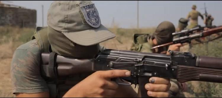 Кадр из видеоролика-презентации, снятой самими «номановцами». Мирные активисты, говорите?