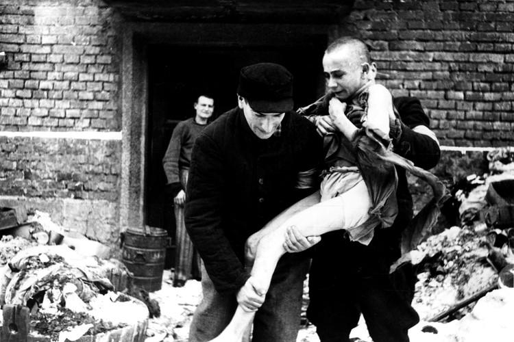 75 лет после освобождения Освенцима не научили страны Европы и США ничему