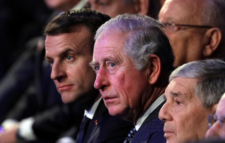 Принц Чарльз долго и оживленно говорил с Макроном