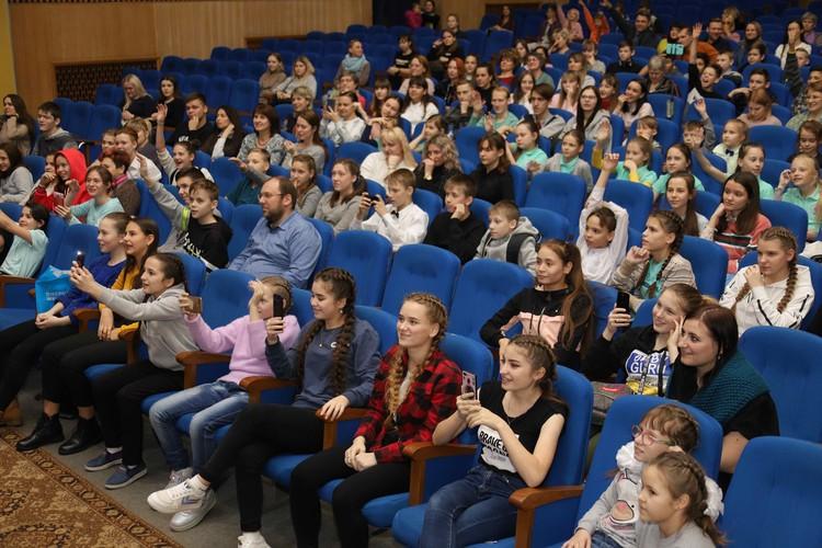 """Музыканты дарят возможность прикоснуться к миру """"большой"""" музыки детям из глубинки Фото: предоставлено организаторами"""