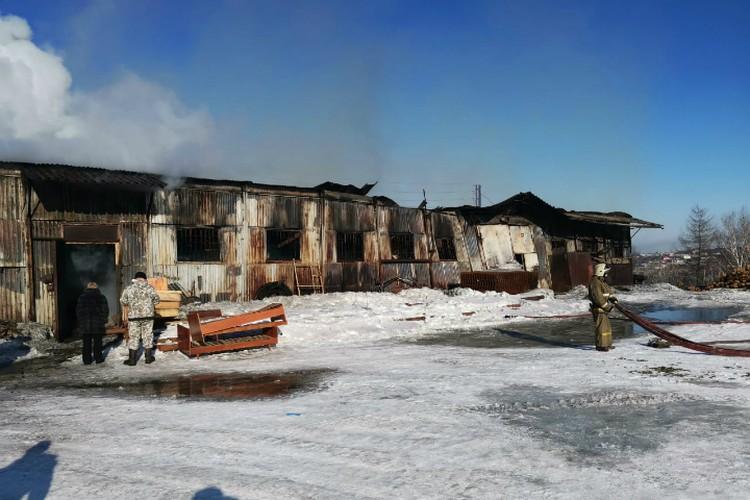От огня пострадали помещения общей площадью 430 квадратных метров