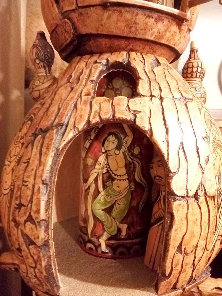 Танцовщица в пещере - прототип пещеры, расписанной уйгурскими монахами в период буддизма.