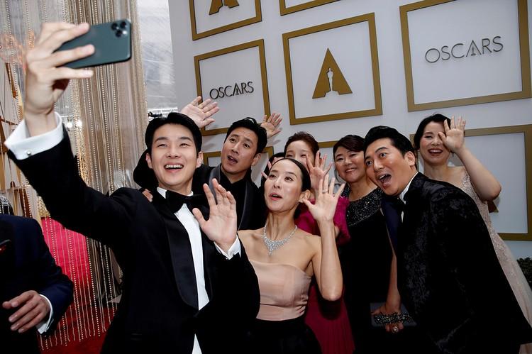 «Оскара» за лучший фильм года взял южнокорейский фильм «Паразиты»