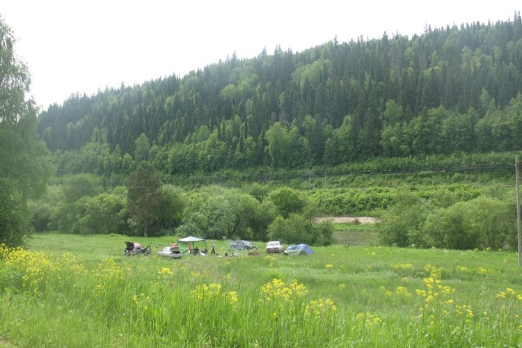 Поляна возле камня Ермак, на которой отдыхали несколько семей, в том числе и родители Кати. Фото: предоставлено СУ СКР по Пермскому краю.