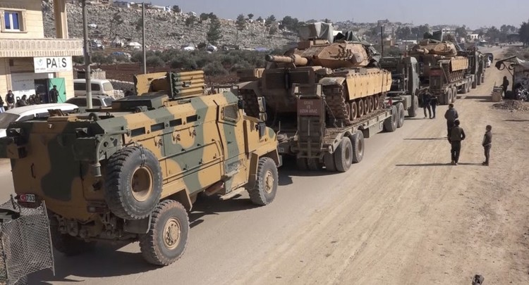 Турецкая бронетехника в сирийской провинции Идлиб.