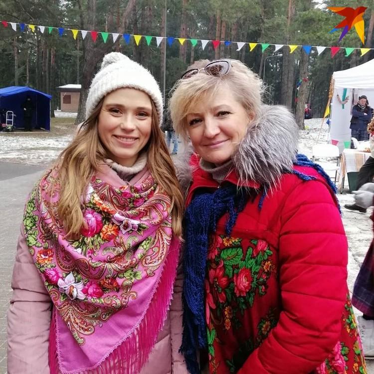 Актриса Анна Кошмал с Еленой Сманцер. Фото: личный архив.