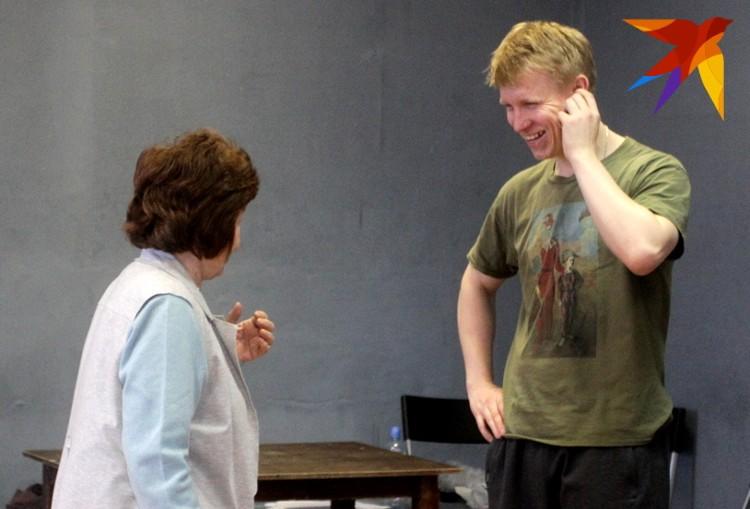 Голос для актера - тема серьезная, но без шуток на тренингах не обходится