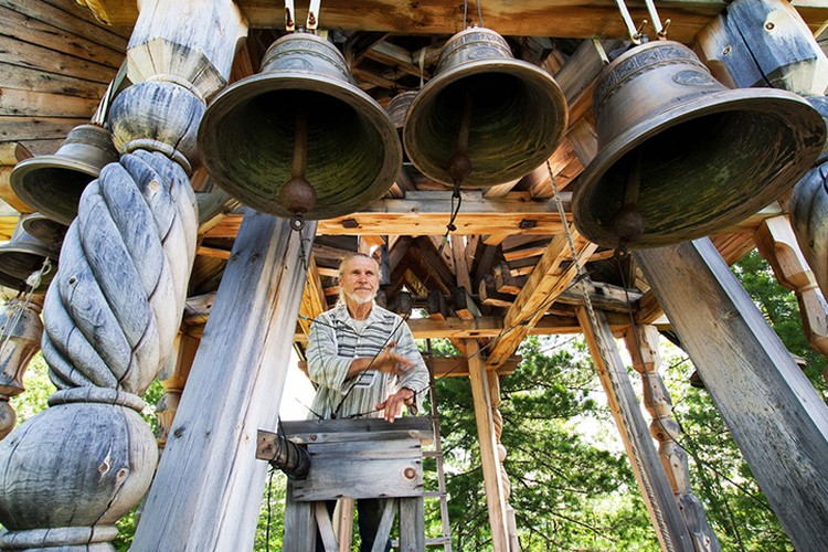 Виссарионовцы отстроили общину с домами и храмом Фото: Валерий БЕКЕШИН