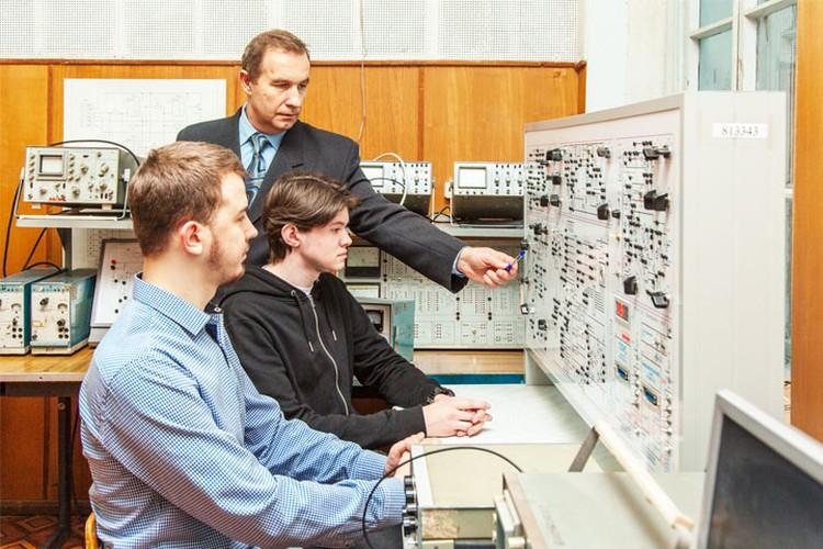 В вузе созданы и успешно функционируют уникальные для Брянщины и России в целом научнообразовательные центры.