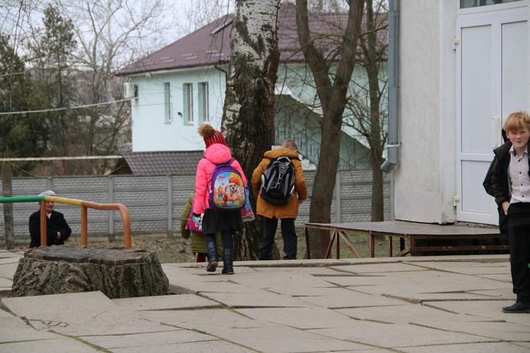 Школьники побежали с занятий домой