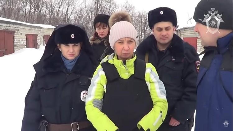 Юлия Быстрова рассказала о своем участии в преступлениях. Кадр из оперативного видео СУ СКР по Саратовской области