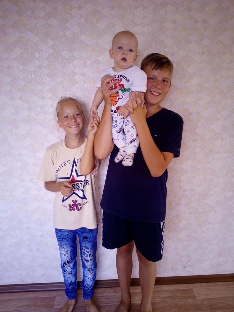 В семье Гущиных - трое детей. Фото: личный архив.