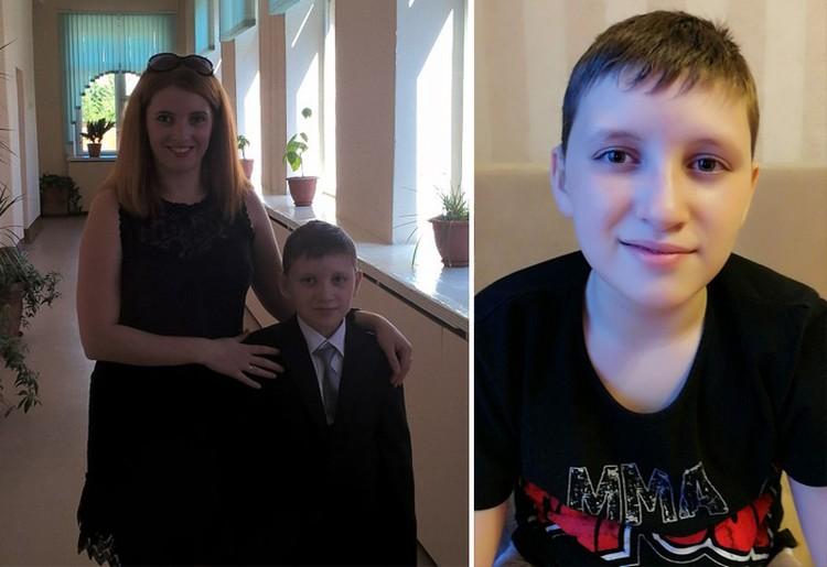 Максим Овчинников в первом классе с мамой и сейчас. Фото из личного архива героев материала.