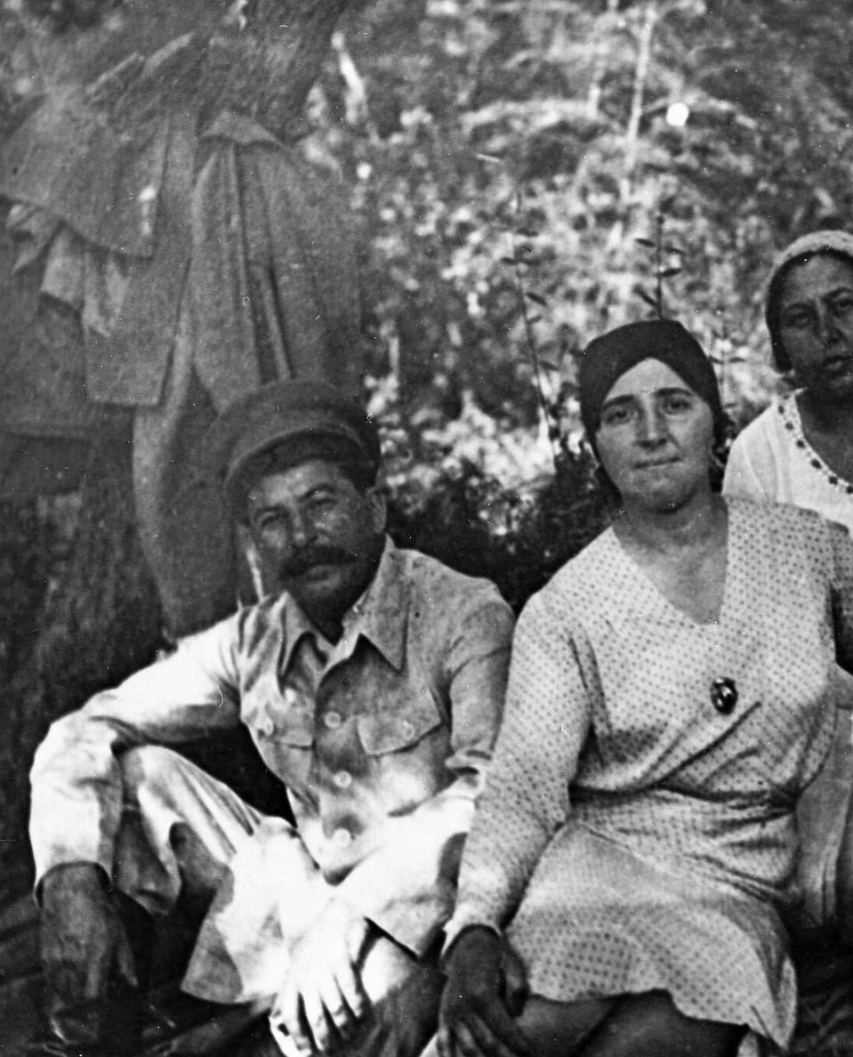 Надежда Аллилуева была на 23 года моложе своего мужа - Сталина. И единственная, кто не боялся его открыто критиковать. Фото: РИА Новости