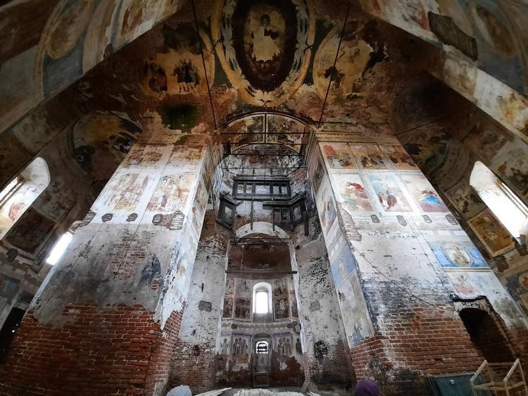 На фресках храма исследователи насчитали более 400 сюжетов