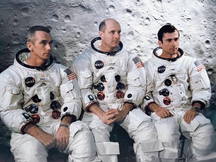Экипаж «Аполлона-10»: Юджин Сернан, Томас Стаффорд, Джон Янг вернулись на Землю 26 мая 1969 года.