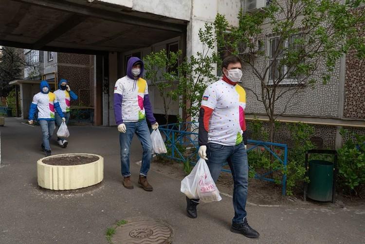 Работа волонтеров. Фото: Сергей Урайкин