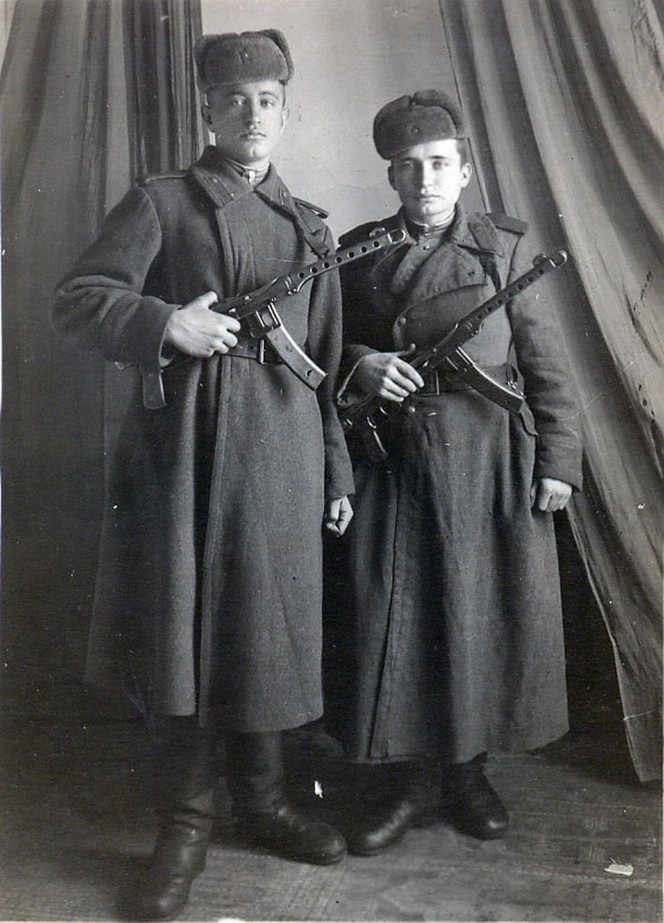 Вагиз Сагитов (справа)